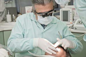 איך לבחור רופא שיניים מקצועי?