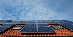 שומרים על כדור הארץ: לוחות סולאריים לייצור עצמי של חשמל