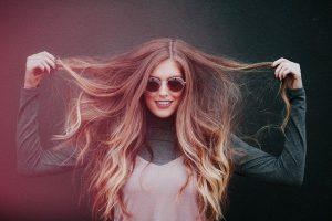 שומרים על השיער בחום של ישראל: טיפים מועילים וטעויות שכדאי להימנע מהן
